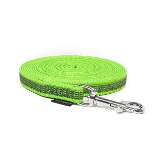 Mystique® Gummierte Schleppleine 15mm mit Handschlaufe Standard Karabiner neon grün 10m