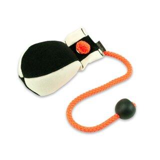 Mystique Dummy Ball Marking 150g weiß / schwarz